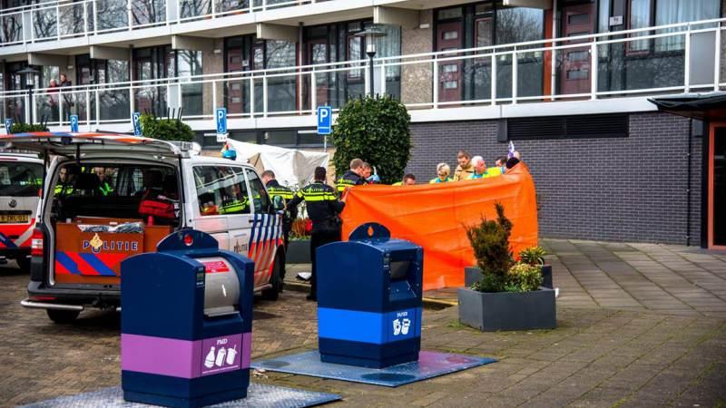 Man overleden na val van flatgebouw