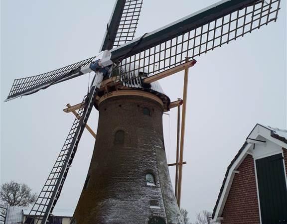 DeltaPORT Donatiefonds helpt molen De Hoop
