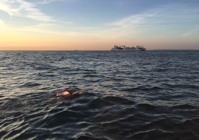 Team Enduro zwemt het Kanaal over