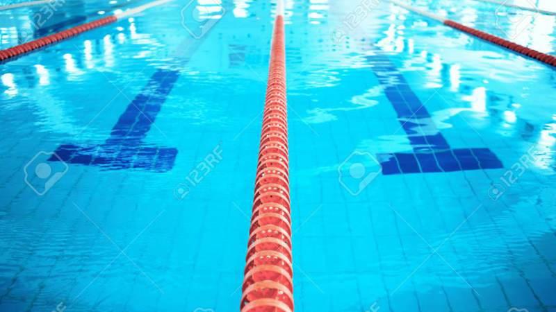 Zwemmers zustersteden strijden om wisselbeker