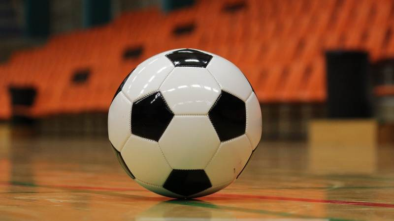 Voetbalclubs strijden weer om de ONS-wisselbokaal