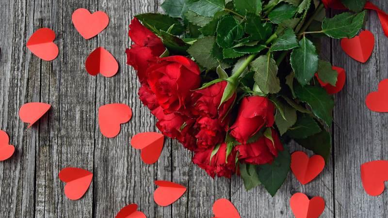 PvdA bezorgt rozen bij lokale helden