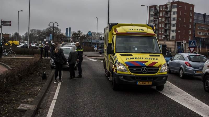 Aanrijding auto en scooter op de Rijksstraatweg