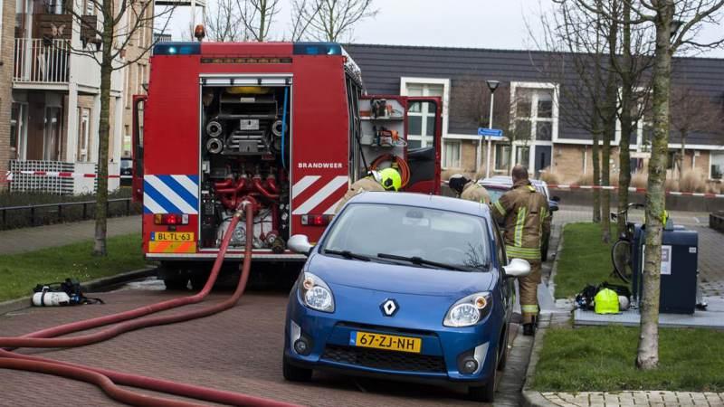 Gezin van balkon gered bij brand Clausstraat