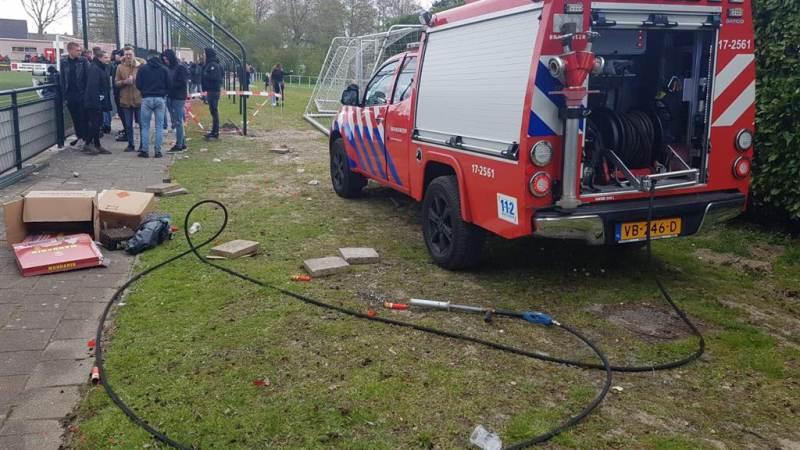 Vuurwerk bij voetbalderby zorgt voor brandje