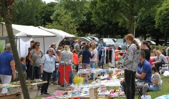 18-jarige organiseert tweede zomermarkt