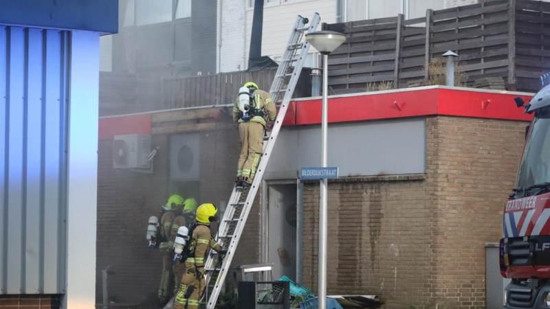 Woningen ontruimd bij brand in Toko