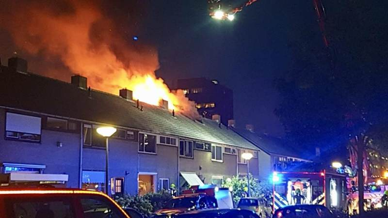 Update: Uitslaande zolderbrand in Hellevoetsluis