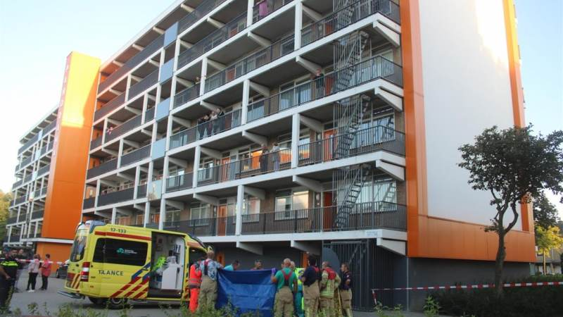 Jongen overleden na val van flat in Hellevoetsluis