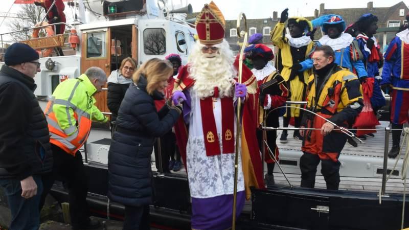 Sinterklaas goed aangekomen in Hellevoetse Vesting