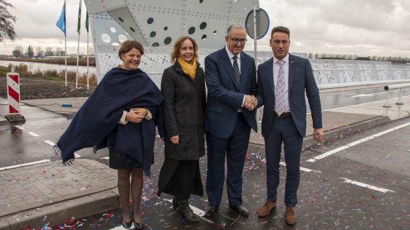 Brabersebrug in Hellevoetsluis officieel geopend