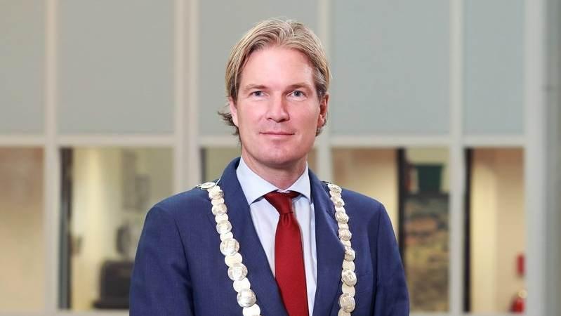 Vragen stellen aan burgemeester Van Oosten