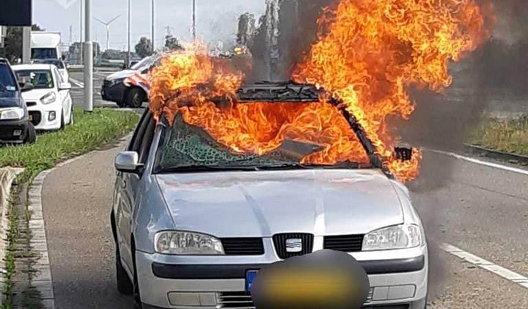 Autobrand op de Kanaalweg-Westzijde