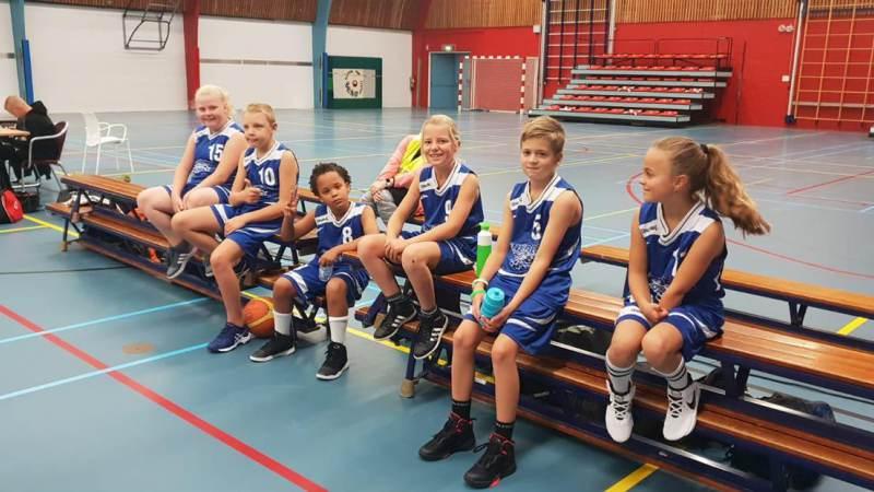 BV Voorne X10 1 wint van Zoebas met 74-14!