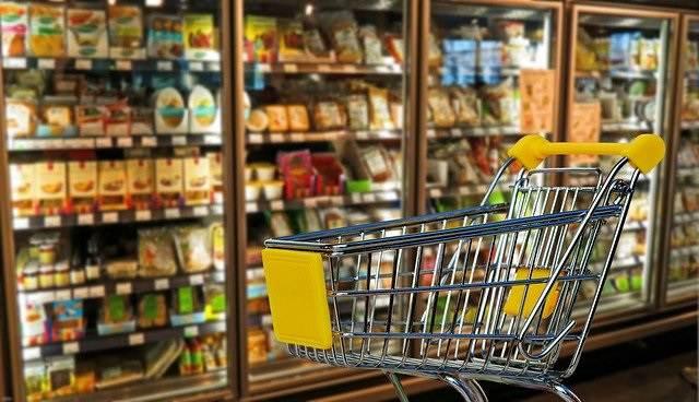 Supermarkten tijdelijk langer open op zondag