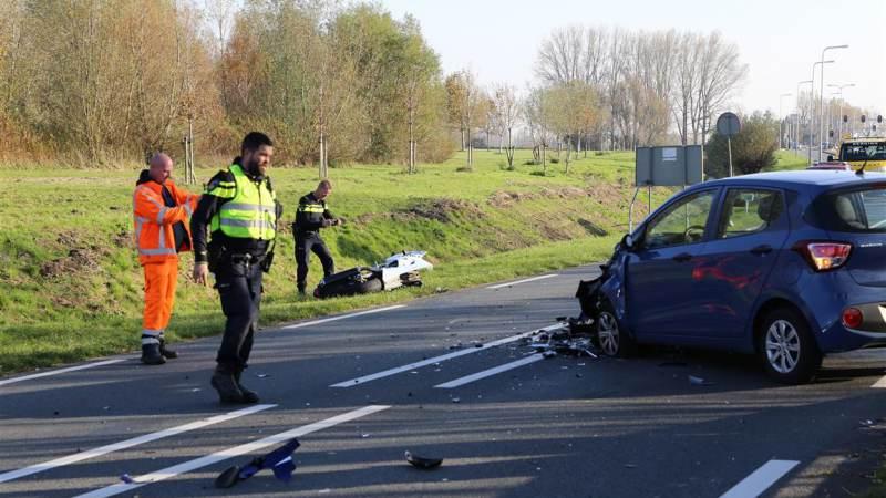 Motorrijder zwaar gewond na aanrijding