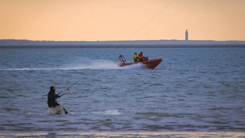 31 kitesurfers uit het water gered door reddingsbrigade