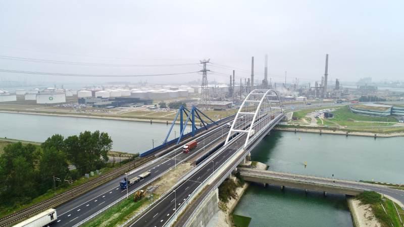 Suurhoffbrug weer volledig open voor verkeer