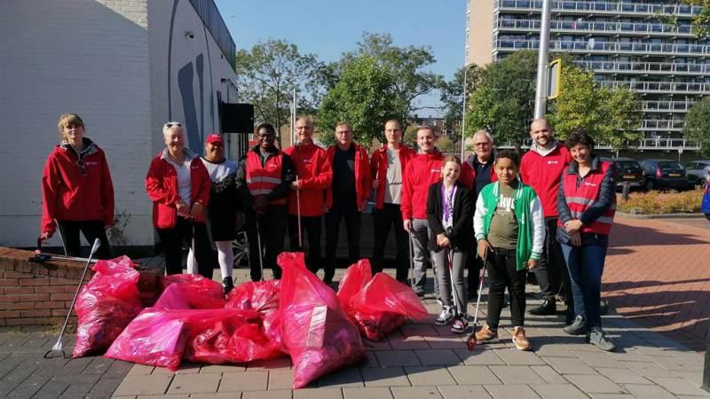 PvdA houdt schoonmaakactie rondom 't Plateau